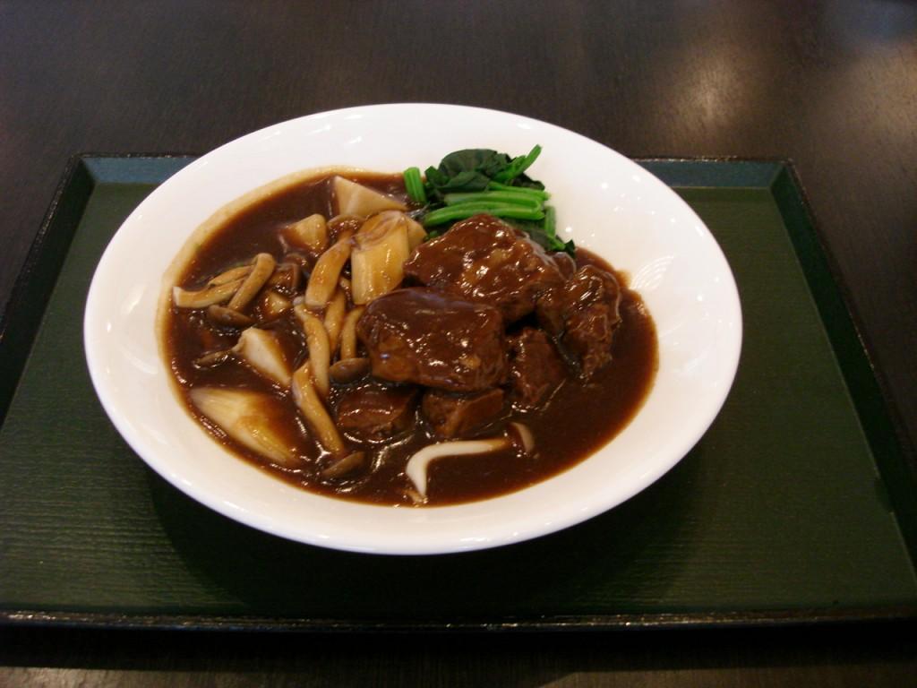 氷見産牛バラ肉の中国風煮込み