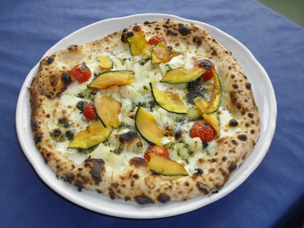 エゴマと野菜のピッツァ